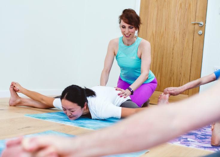 Iriness yoga class Upavishta konasana